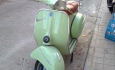 Grüne Vespa Rollger